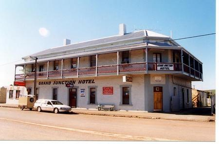 Grand Junction Hotel - Phillip Island Accommodation