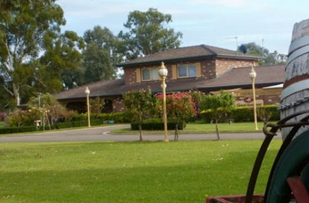 Carriage House Motor Inn - Phillip Island Accommodation