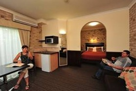 Highlander Motor Inn And Apartments - Phillip Island Accommodation