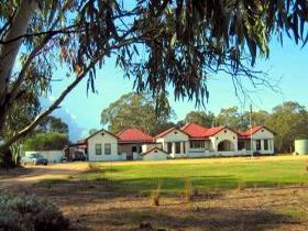 Whurra Mundi Homestead - Phillip Island Accommodation