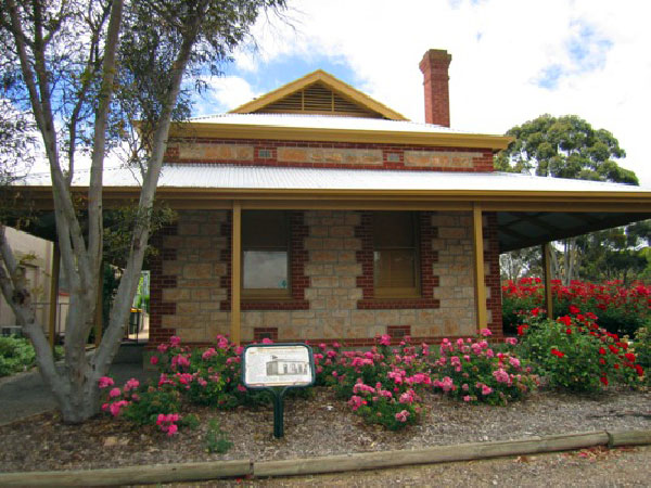 Clydesdale Cottage BB - Phillip Island Accommodation