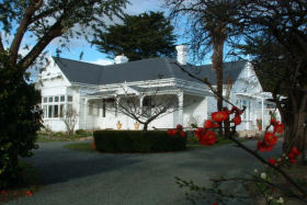 Huonville Guesthouse - Phillip Island Accommodation