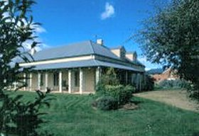 Strathmore Colonial Accommodation - Phillip Island Accommodation