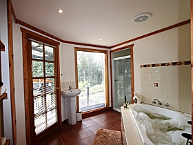 Love Grove Guest House - Phillip Island Accommodation