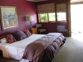 French Cottage and Loft - Phillip Island Accommodation