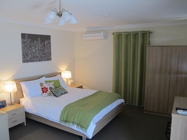 West Wing Guest House - Phillip Island Accommodation