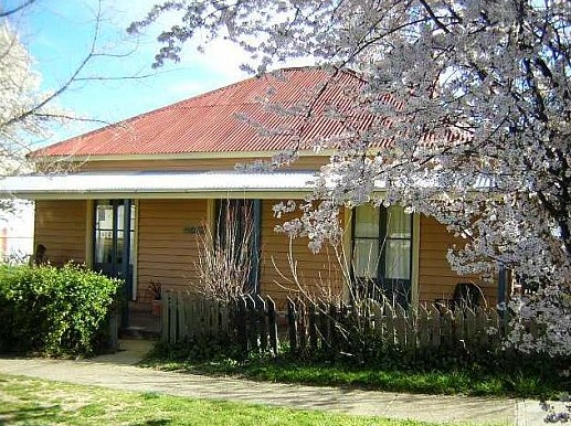 Cooma Cottage - Accommodation - Phillip Island Accommodation