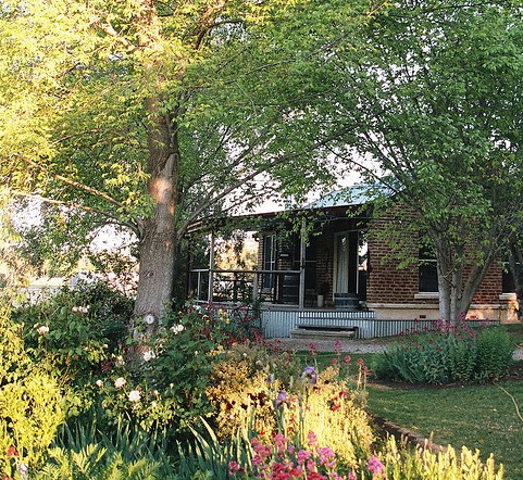 Amazing Country Escapes - Evanslea By The River - Phillip Island Accommodation