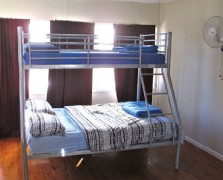 Surf N Sun Beachside Backpackers - Phillip Island Accommodation