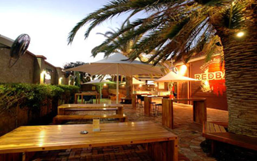 Balmoral Hotel - Phillip Island Accommodation