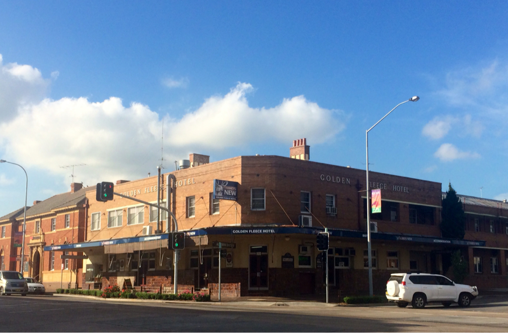 Golden Fleece Hotel - Phillip Island Accommodation