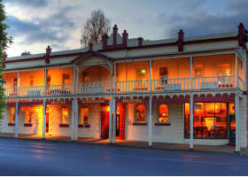 Royal George Hotel - Phillip Island Accommodation