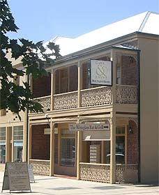 Cobb  Co Court Boutique Hotel - Phillip Island Accommodation