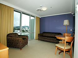 Waldorf Apartments Hotel Canberra - Phillip Island Accommodation