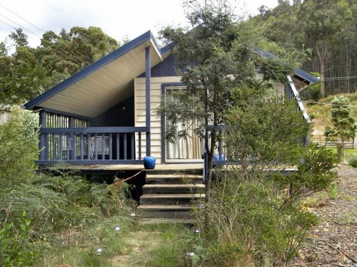 Huon Charm Waterfront Cottages - Phillip Island Accommodation