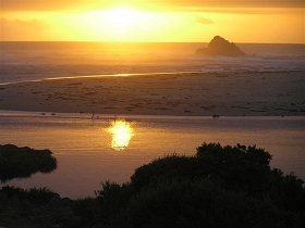 Arthur River Beach House - Phillip Island Accommodation