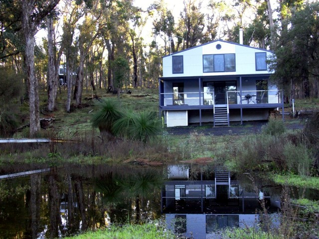 Hidden Grove Retreat - Phillip Island Accommodation