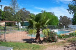 Lake Burrinjuck Leisure Resort - Phillip Island Accommodation