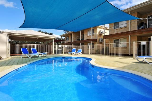 Lakeside Holiday Apartments - Phillip Island Accommodation