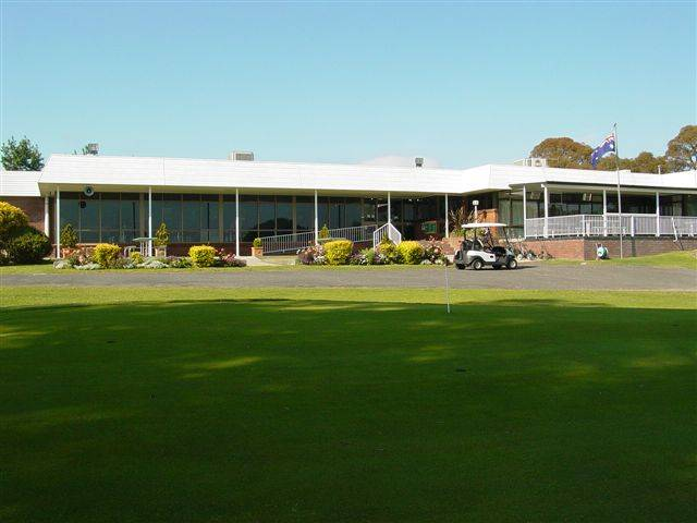 Tenterfield Golf Club and Fairways Lodge - Phillip Island Accommodation