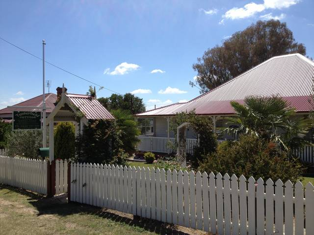 Tenterfield Luxury Historic c1895 Cottage - Phillip Island Accommodation