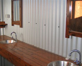 Daly River Barra Resort - Phillip Island Accommodation