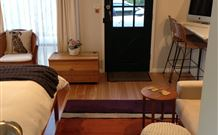 Milo's Bed and Breakfast - Phillip Island Accommodation