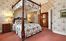 The Old George and Dragon Guesthouse - - Phillip Island Accommodation