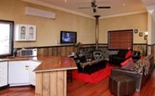 Top of the Range Retreat - Phillip Island Accommodation