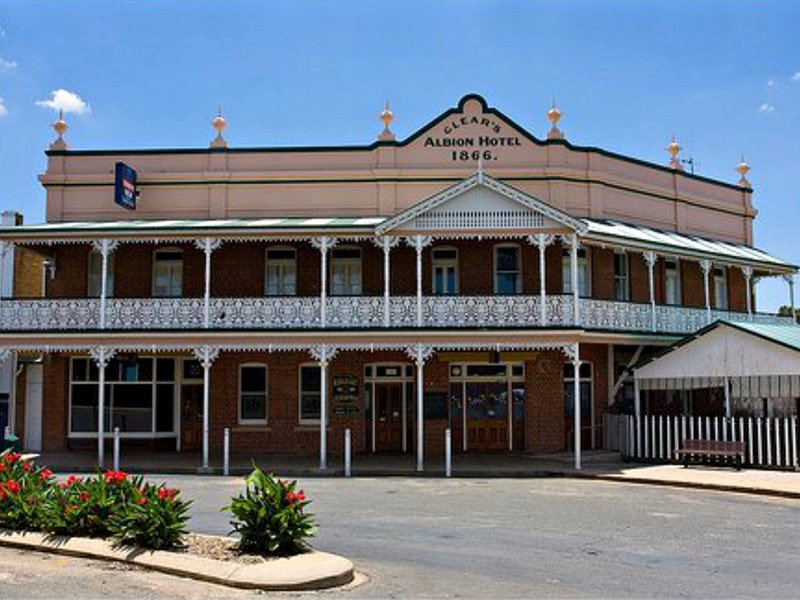 Albion Hotel Grenfell - Phillip Island Accommodation