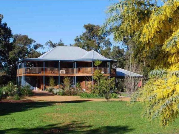 Riverwood Retreat - Phillip Island Accommodation