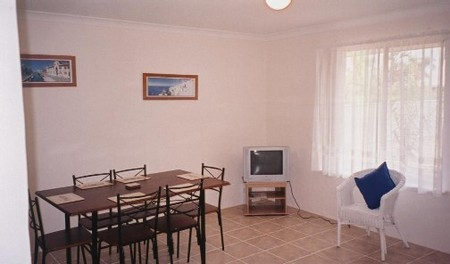 JJ's Holiday Cottages - Butler Street - Phillip Island Accommodation