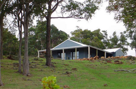 Vista Ridge Estate - Top Paddock Cottage - Phillip Island Accommodation