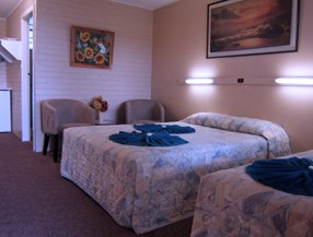 Whitsunday Palms Motel - Phillip Island Accommodation