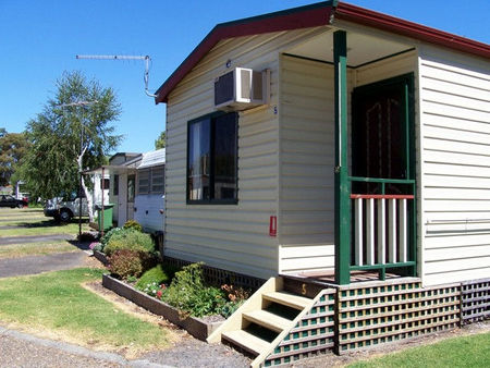 Leongatha Apex Caravan Park - Phillip Island Accommodation