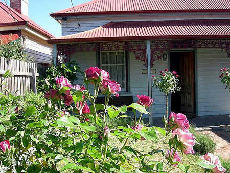 Airleigh - Rose Cottage - Phillip Island Accommodation