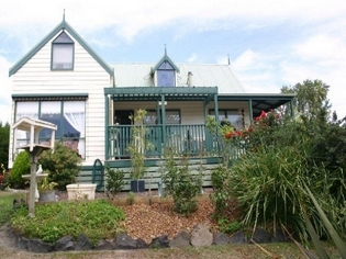 Alfay Cottage - Phillip Island Accommodation