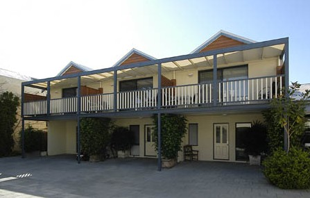 Freo Mews Executive Apartments - Phillip Island Accommodation