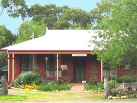 Stacey Studio Gallery  Almond Grove BB - Phillip Island Accommodation