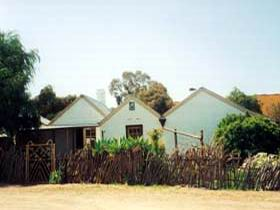 Miners Cottage And Garden - Phillip Island Accommodation