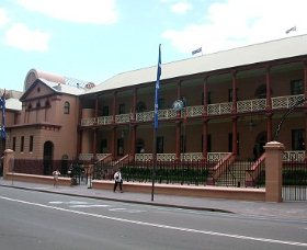 Parliament House - Phillip Island Accommodation