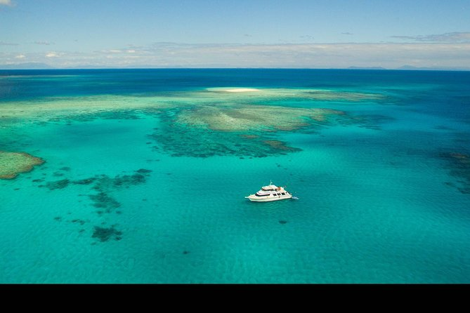 Great Barrier Reef Dive and Snorkel Cruise from Mission Beach - Phillip Island Accommodation