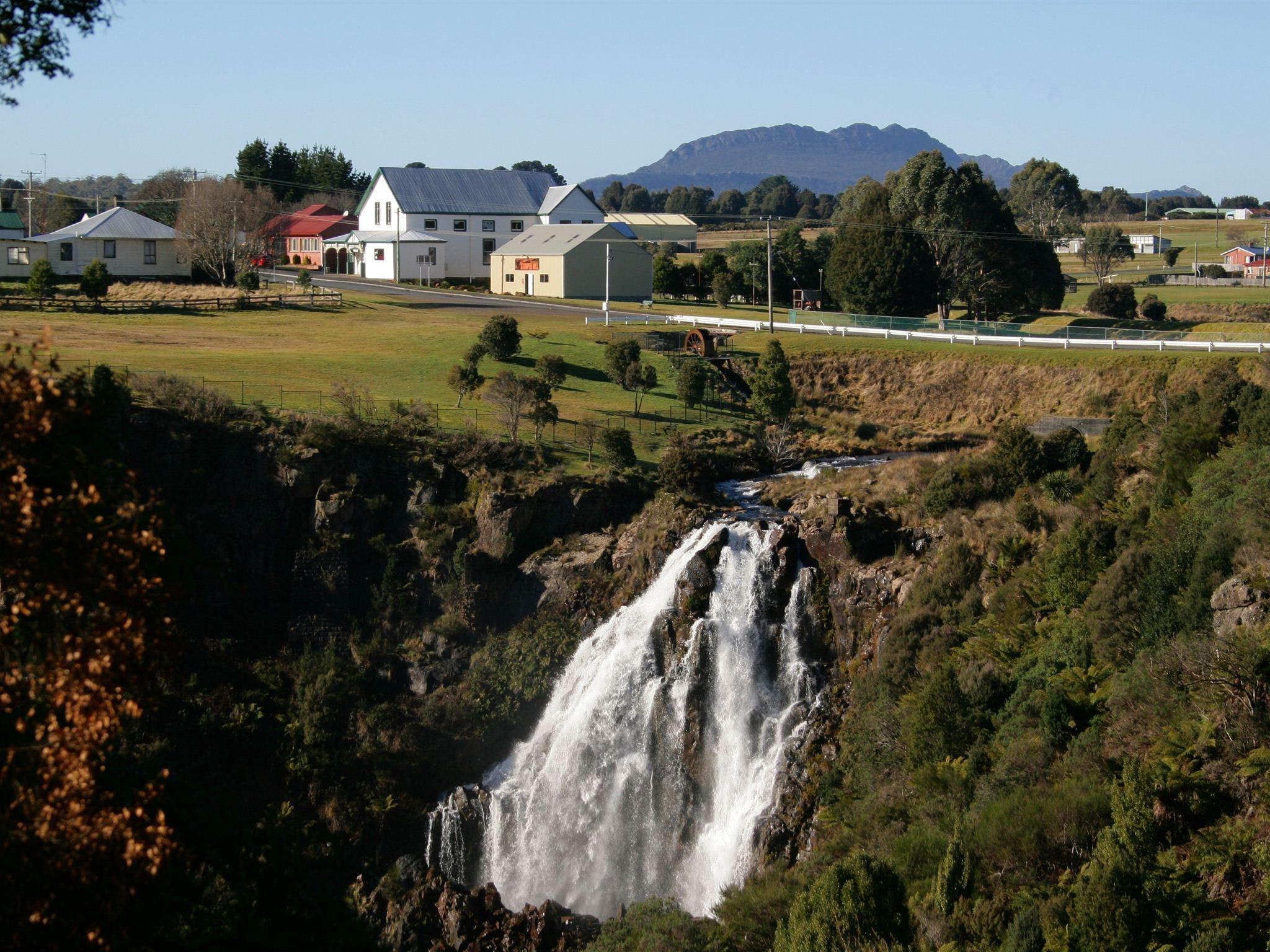 Waratah Falls - Phillip Island Accommodation