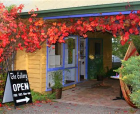 Macedon Ranges Arts Collective - Phillip Island Accommodation
