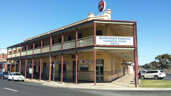 Farmers Arms Hotel - Phillip Island Accommodation