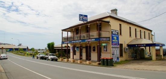 Macleay River Hotel - Phillip Island Accommodation