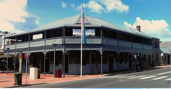 The New England Hotel - Phillip Island Accommodation