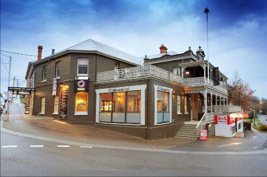 Deloraine Hotel Restaurant - Phillip Island Accommodation