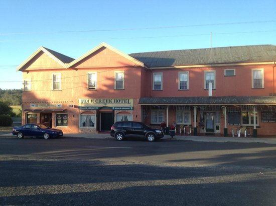 Mole Creek Hotel - Phillip Island Accommodation