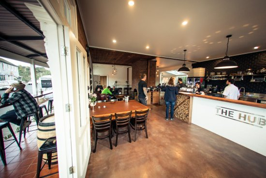The Hub - Pizza and Beer - Phillip Island Accommodation